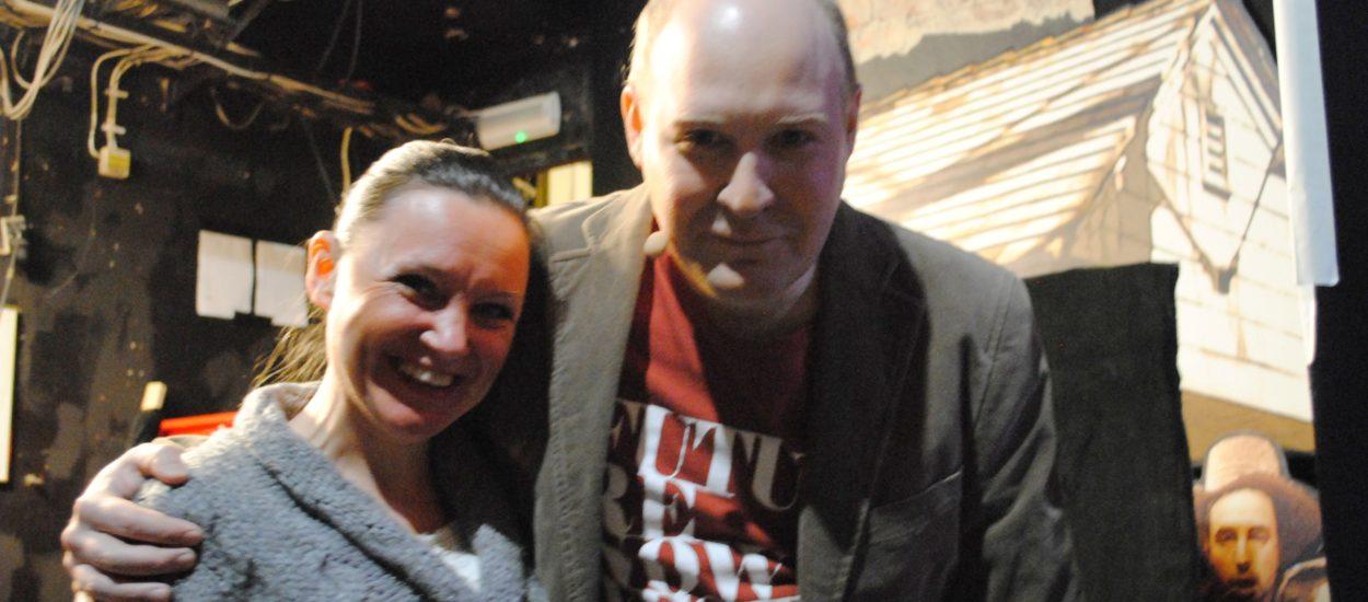Körledaren Cecilia Nedgård och Henrik Dorsin under rep med Grotesco