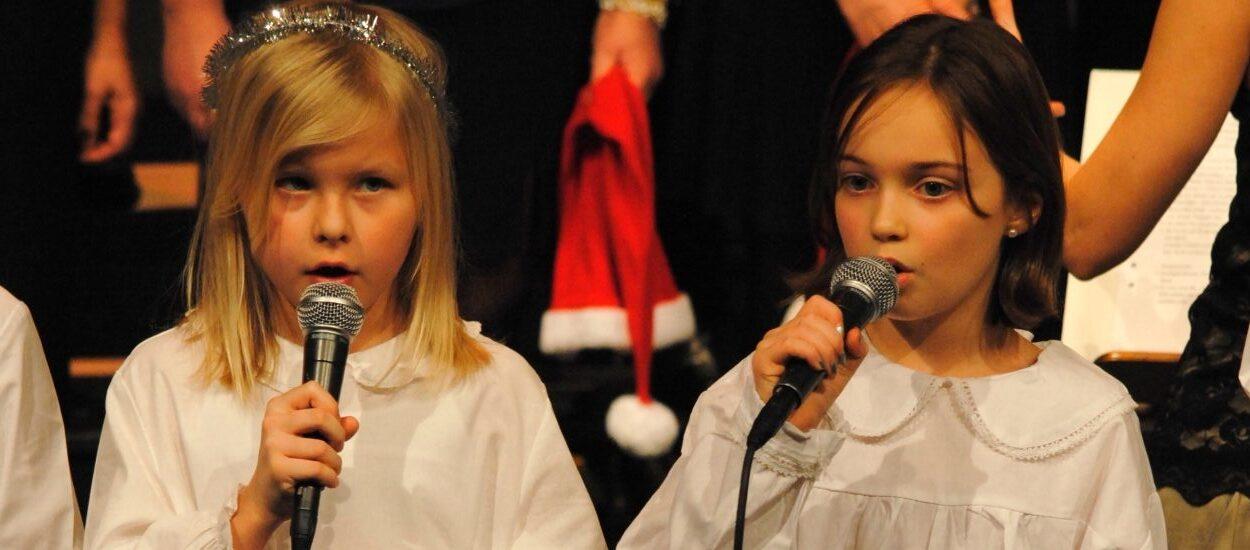 Barn sjunger Nu tändas tusen juleljus inför sökning till AF